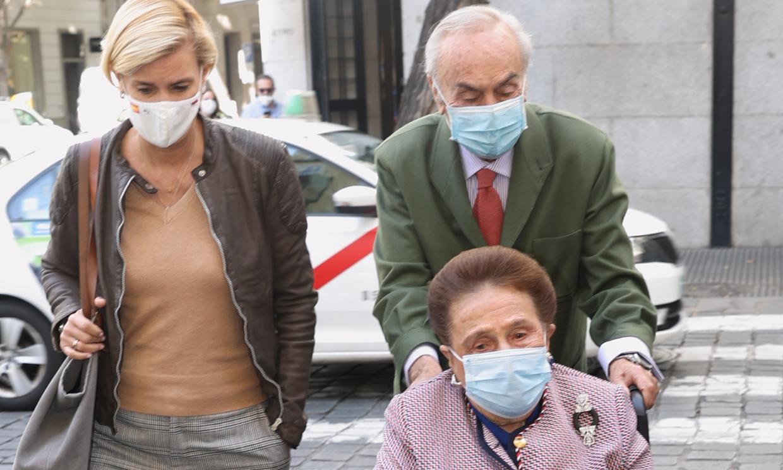 Carlos Zurita celebra su cumpleaños más íntimo, arropado por su mujer y su hija