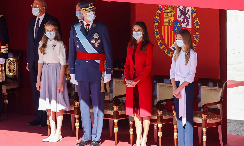 Los Reyes presiden junto a sus hijas una Fiesta Nacional muy diferente marcada por el coronavirus