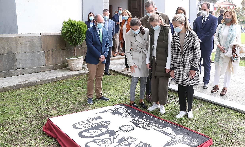 ¡Ponemos el 'zoom'! Los pasos de la Familia Real en Somao desde otra perspectiva