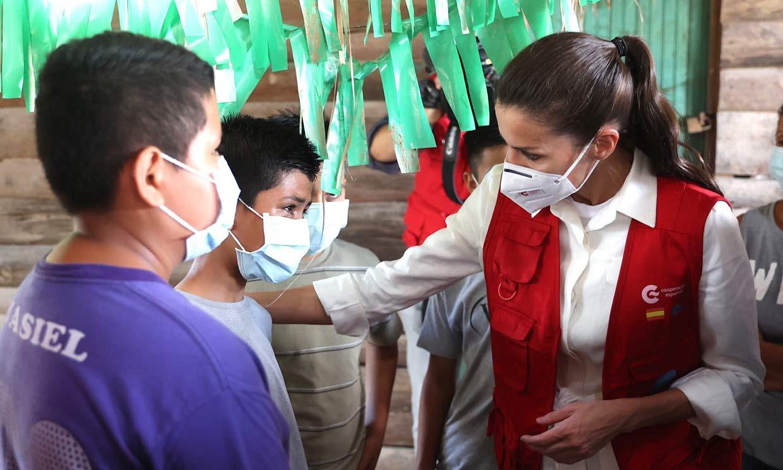 Doña Letizia se despide de Honduras tras visitar la 'zona cero' de las inundaciones