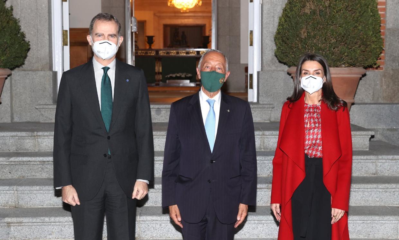 El cariñoso recibimiento de los Reyes al presidente de Portugal, Marcelo Rebelo de Sousa