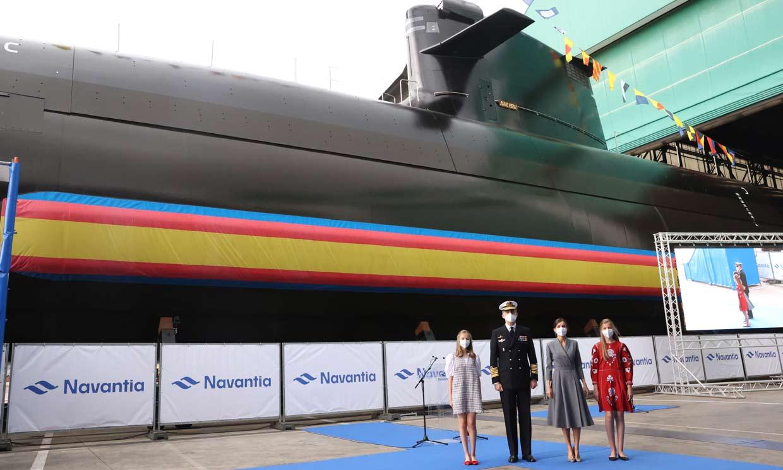 La princesa Leonor y la infanta Sofía asisten con los Reyes al bautismo del submarino Isaac Peral en Cartagena