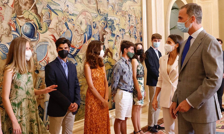 La princesa Leonor, junto a los Reyes y la infanta Sofía, se reúne con los que serán sus compañeros