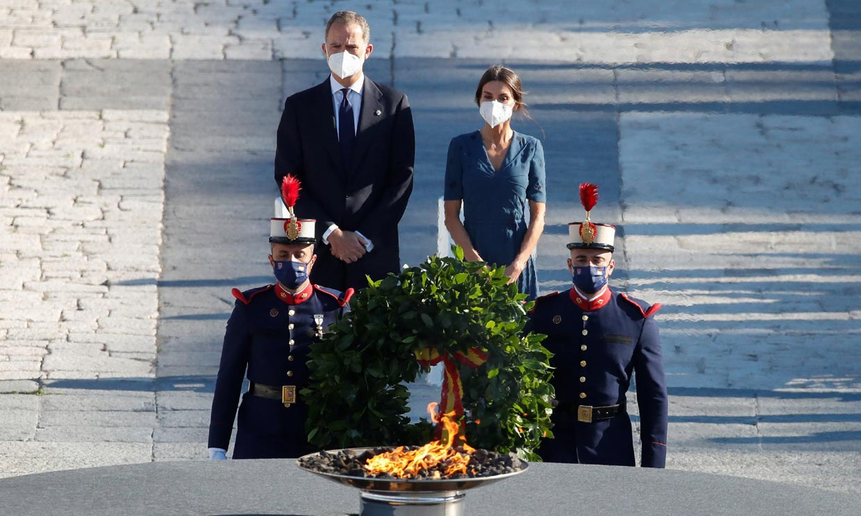Los reyes Felipe y Letizia recuerdan a los sanitarios fallecidos y víctimas de la pandemia en un homenaje de Estado