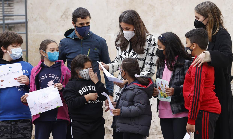 El encuentro de la Reina con los pequeños 'lingüistas' de San Millán de la Cogolla