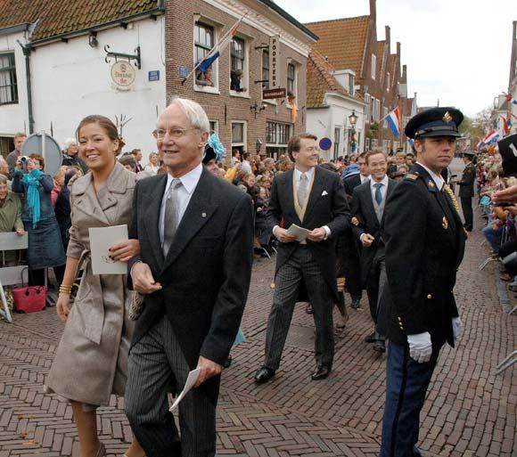 El príncipe Carlos Hugo evoluciona favorablemente de un cáncer