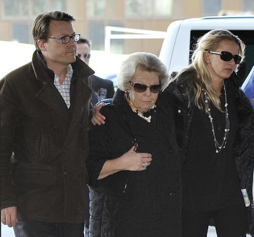 Beatriz de Holanda cancela su agenda para acompañar a su hijo en coma