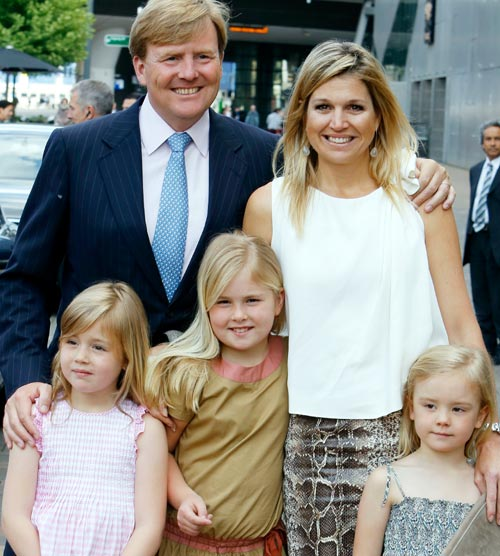 Máxima de Holanda y su familia asisten a un concierto por y para los niños