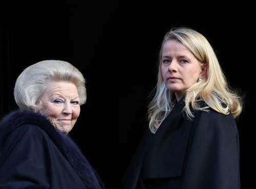 La princesa Mabel reaparece en palacio junto a la Familia Real de Holanda