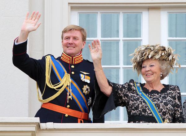 Los nuevos títulos de la reina Beatriz y los Príncipes de Orange y el nuevo orden de sucesión al trono de Holanda