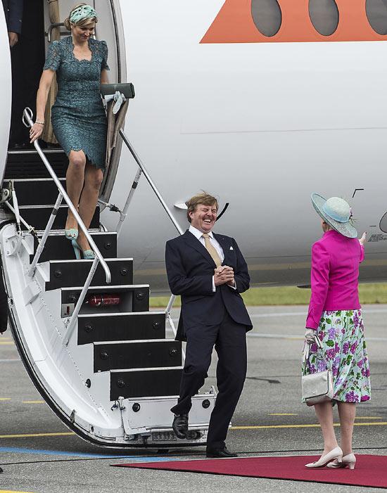 Abrazos, risas y honores en la visita oficial a Dinamarca de Guillermo y Máxima de Holanda