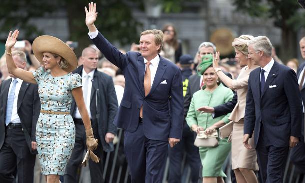 Guillermo y Máxima de Holanda brindan por los 200 años de su Reino
