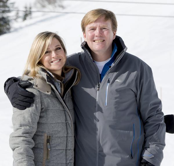 Guillermo y Máxima de Holanda comienzan sus vacaciones de invierno con el tradicional posado familiar