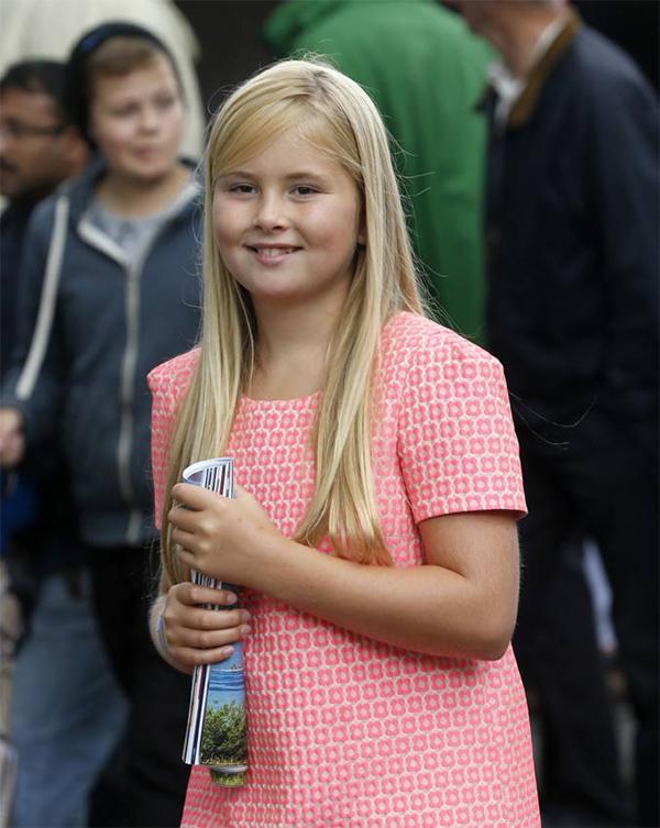 Amalia de Holanda cambia de colegio