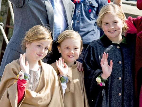 Máxima de Holanda y sus tres 'mini Máximas' en el Día del Rey