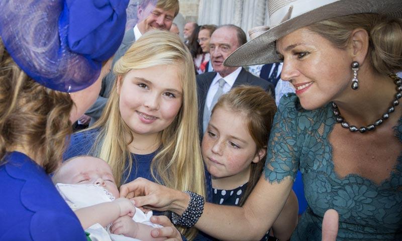Máxima de Holanda y sus hijas, protagonistas del último bautizo de un príncipe