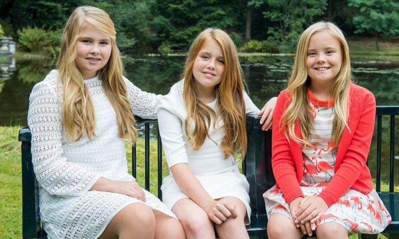 Un guiño español en los nuevos retratos de las princesas Amalia, Alexia y Ariane