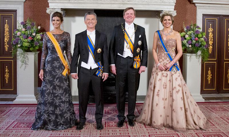 Máxima de Holanda y Juliana Awada, empate de elegancia en la cena de Estado en Ámsterdam
