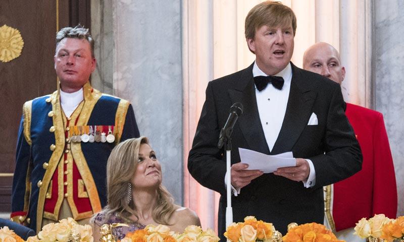Así canta la reina Máxima a Guillermo de Holanda en su 50º cumpleaños