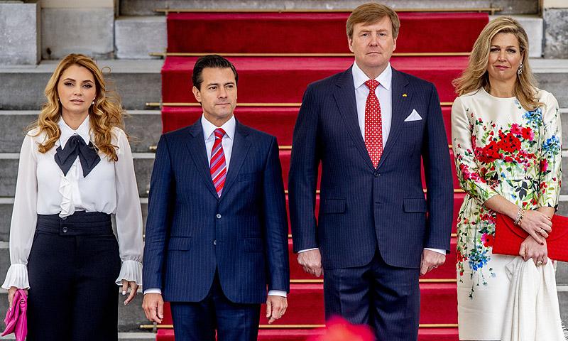 Los Reyes de Holanda reciben al presidente mexicano Peña Nieto y su mujer en su visita oficial a La Haya