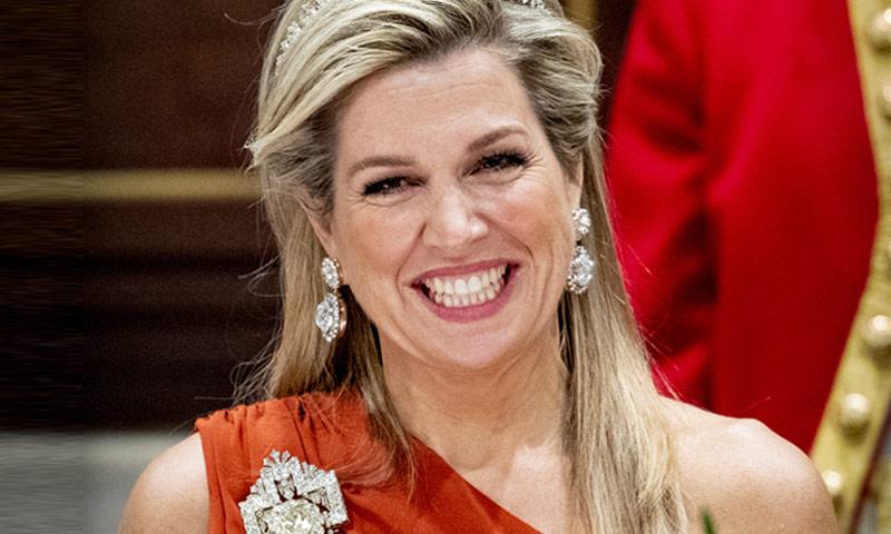 Máxima de Holanda pone broche de diamantes a la última cena de gala del año