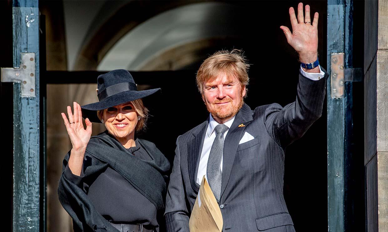 Los 'royals' salen de Palacio para celebrar la liberación de la Segunda Guerra Mundial