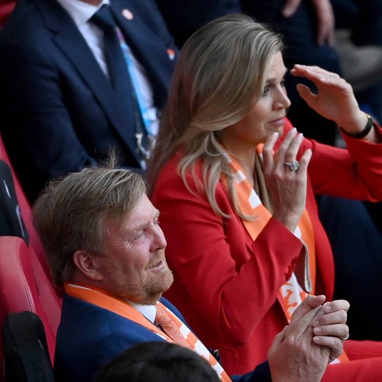 Máxima y Guillermo de Holanda viven con emoción el partido de su selección en la Eurocopa