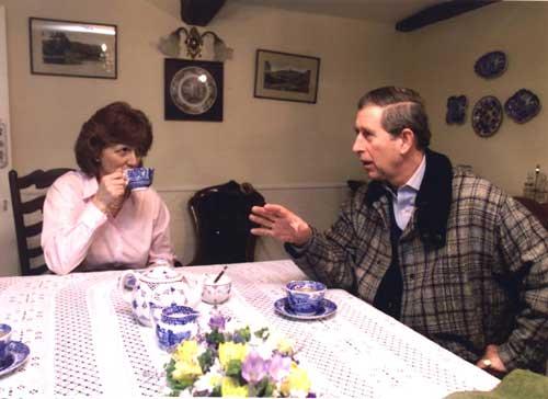El príncipe Carlos hace turismo rural
