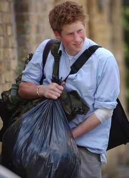 El príncipe Harry, soldado de su abuela