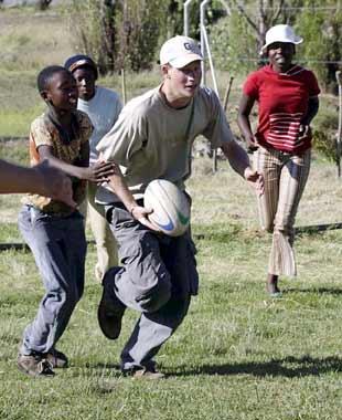 El príncipe Harry... en un lugar de África
