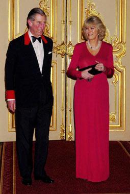 Camilla: 'El príncipe Carlos se arrodilló ante mí para pedirme la mano'