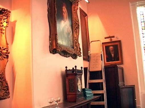 La sala Ascot donde podría contraer matrimonio civil el príncipe Carlos se usa como trastero