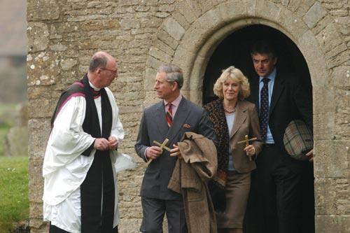 El príncipe Carlos casi cancela su boda con Camilla