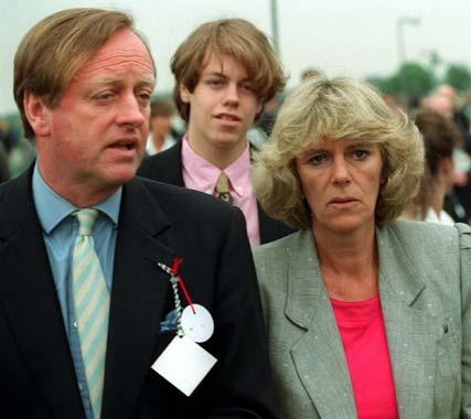 Carlos de Inglaterra debe pedir perdón al ex marido de Camilla por haber cometido adulterio