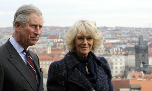 El príncipe Carlos y la Duquesa de Cornualles: ópera, misa y paseo por Praga
