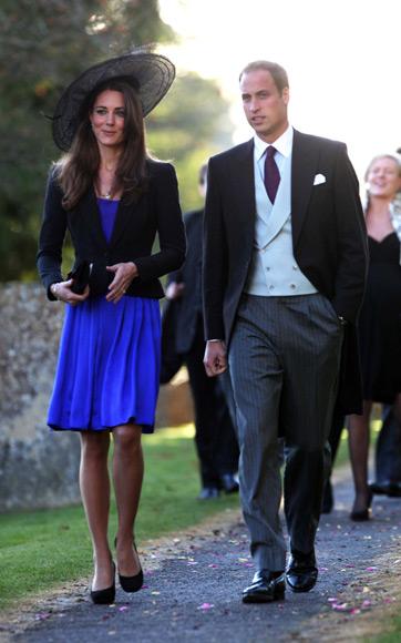 El príncipe Carlos anuncia el compromiso matrimonial del príncipe Guillermo y Kate Middleton