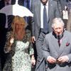 El príncipe Carlos y la Duquesa de Cornualles pasean en tranvía por el centro de Sevilla