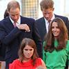 ¡Todos a bordo! Zara Phillips y Mike Tindall despiden su soltería con una fiesta en el yate real Britannia