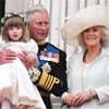 El príncipe Carlos y la duquesa de Cornualles recuerdan en su felicitación navideña su momento más inolvidable del año: la boda de los duques de Cambridge