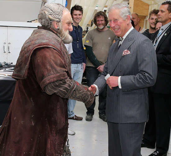 Hobbits, enanos, elfos… Carlos de Inglaterra vive su cumpleaños más divertido