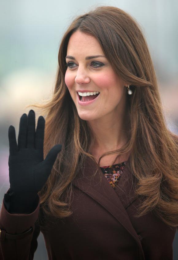 La Duquesa de Cambridge desata las especulaciones de que el bebé que espera es una niña