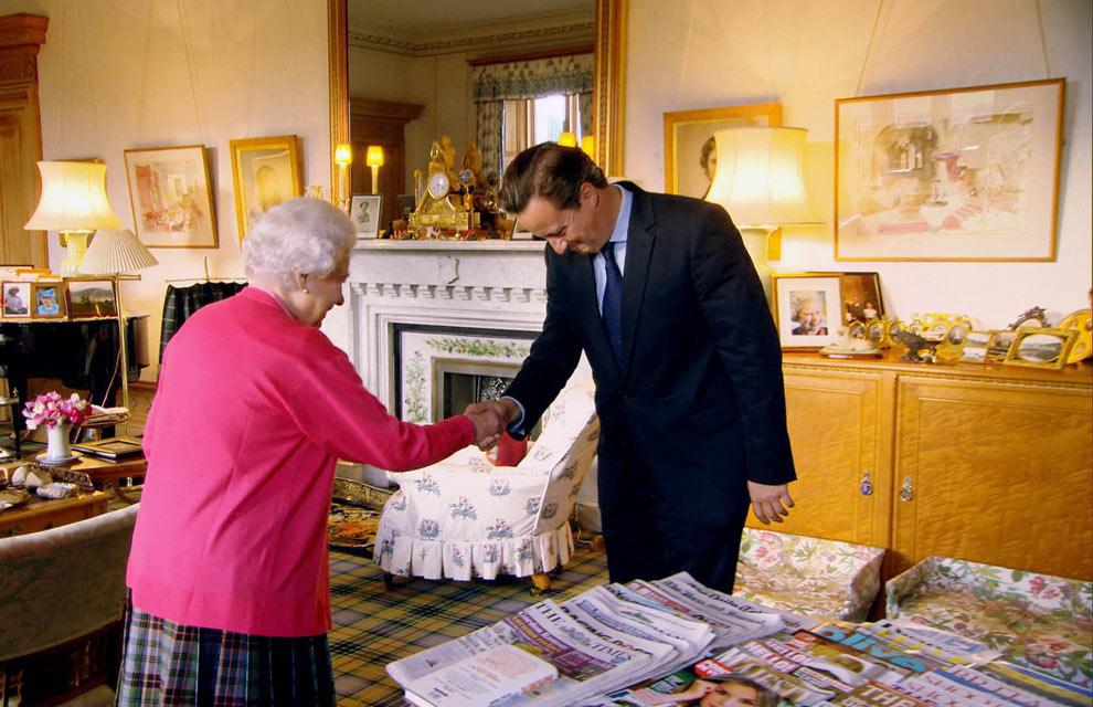 'Hello!' entre el material de lectura de la Reina de Inglaterra