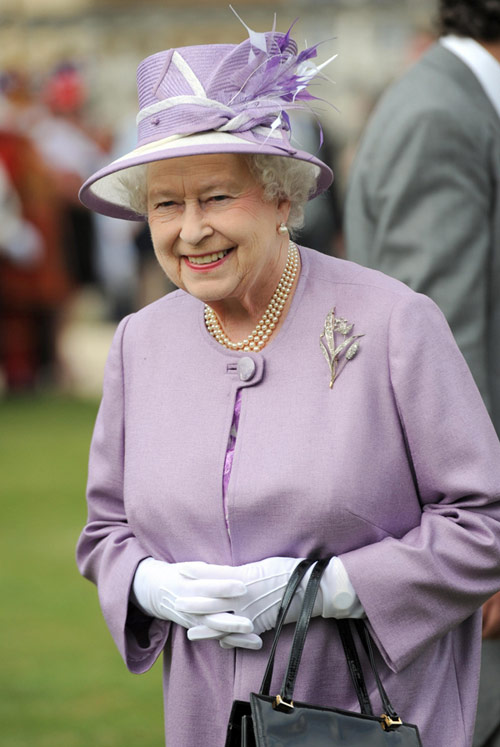 La reina isabel supera la crisis tendr 5 8 millones de for La regina anne house