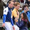 '¡Oh, Dios mío, son Guillermo y Harry! Una chica se ve superada por la emoción al tener frente a ella a los Príncipes