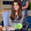 Marioneta en mano, la Duquesa de Cambridge canta con los más pequeños
