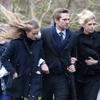 Cressida Bonas, muy triste en el funeral de su padrastro