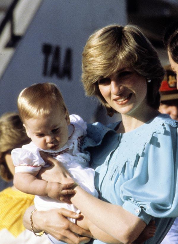 Hace treinta años... La llegada a Australia de los príncipes Carlos y Diana con su entonces bebé, el príncipe Guillermo