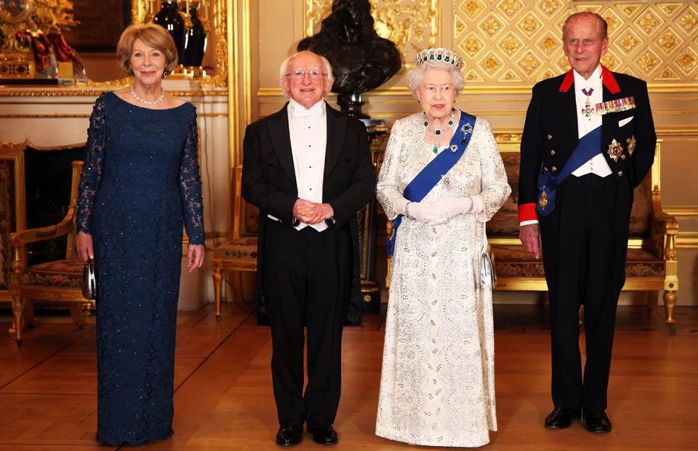 Cena de gala en Windsor: la reina Isabel brinda todos los honores al Presidente de Irlanda en su histórica visita