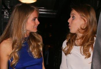 Cressida Bonas, espectacular de azul, reaparece tras su ruptura con el príncipe Harry