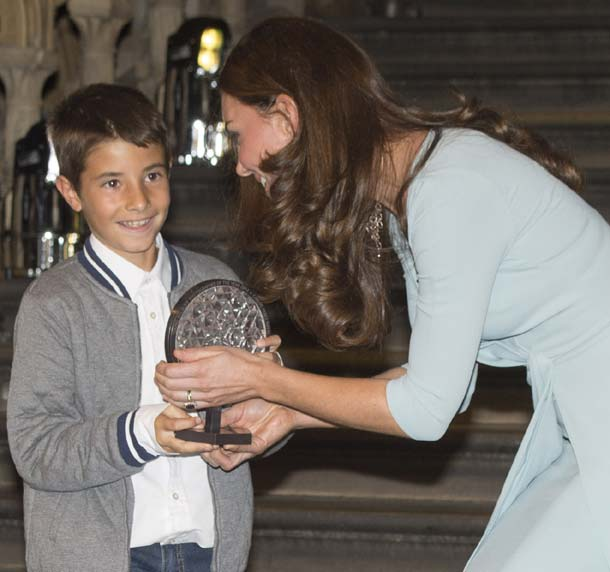 Carlos Pérez Naval, el niño español que recibió el Premio de Fotografía de Vida Salvaje de manos de la Duquesa de Cambridge